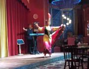 吃遍上海滩之宝山麦迪娜新疆盛宴,新疆夫妻歌舞表演